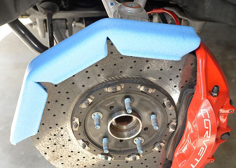 C6 ZR-1 and Z06/Z07 Corvette Brake Hose Installation | Corvette Magazine