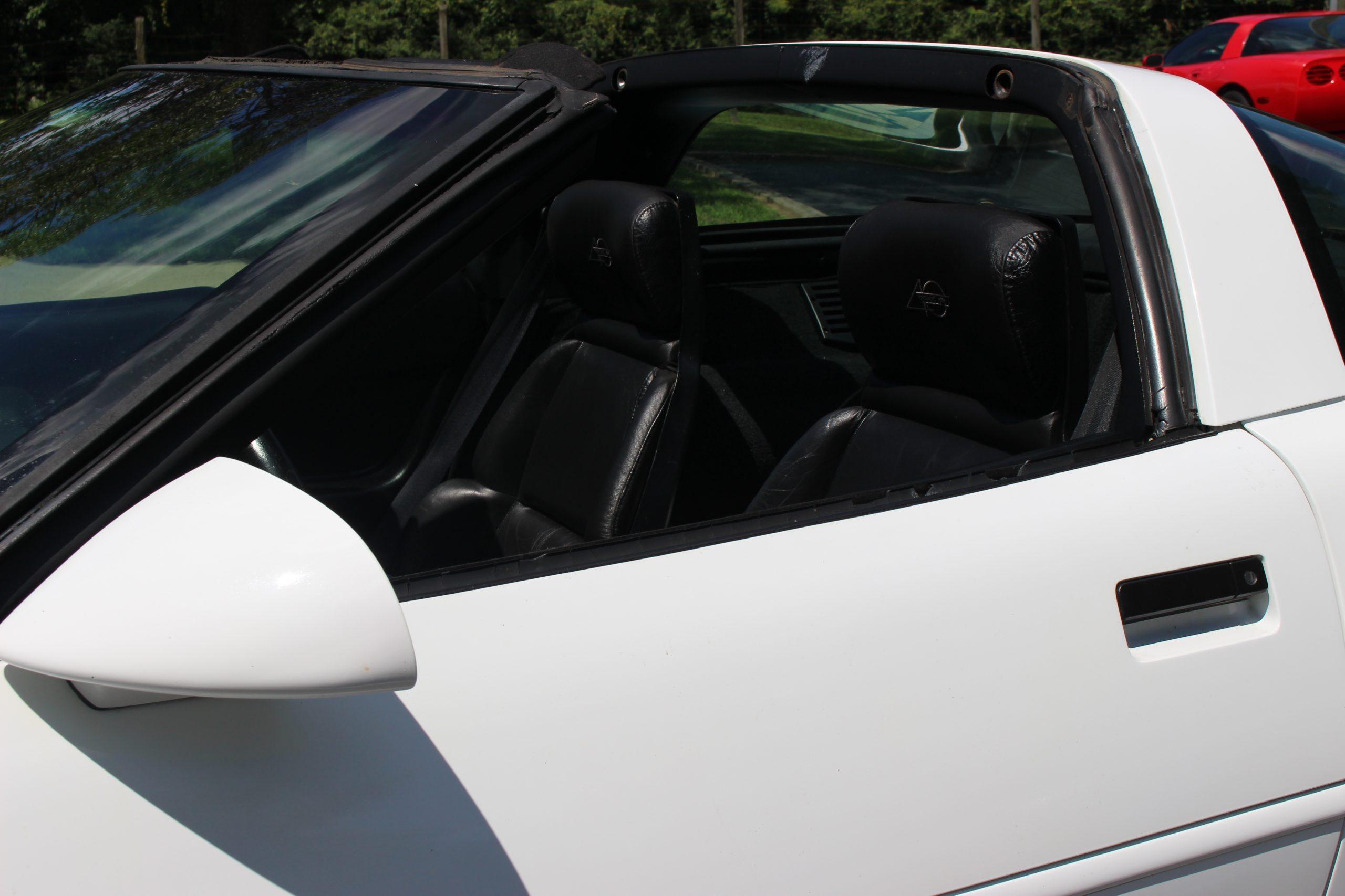 1984 1996 Corvette Door Outer Window Seal Replacement Corvette Magazine Corvette How To S Technical Articles