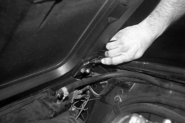 corvette-headlamp-motor-replacement-02